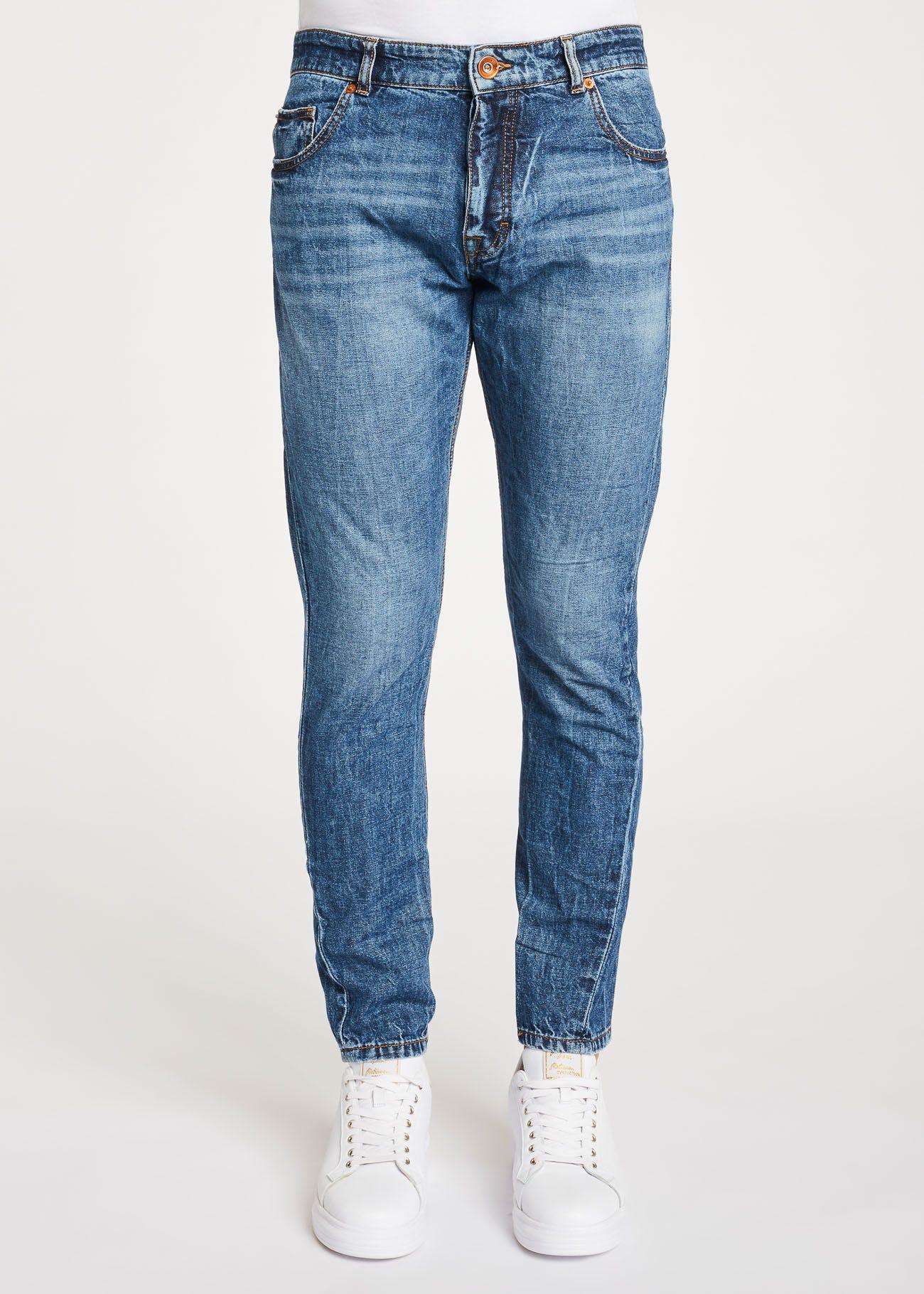 Regular-waist jeans